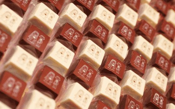 chocolate com transfer aplicado
